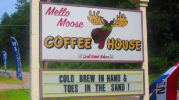 Lake Winnipesaukee's Mello Mouse Coffee House In Meredith, NH